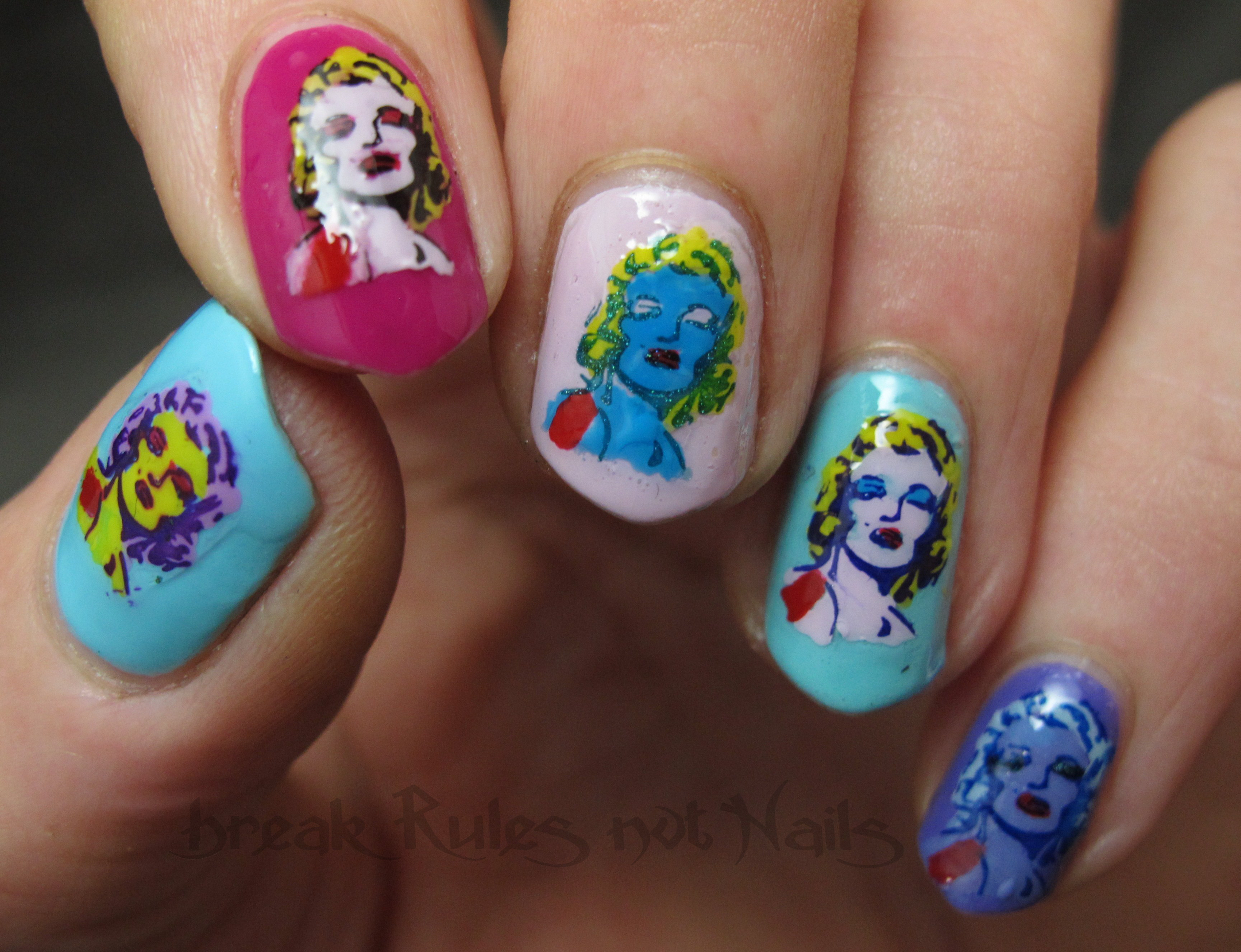 Marilyn Monroe nail art | Break rules, not nails